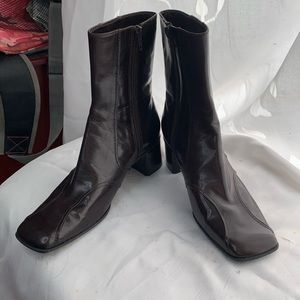 Nine West heeled brown leather booties 6.5 zip
